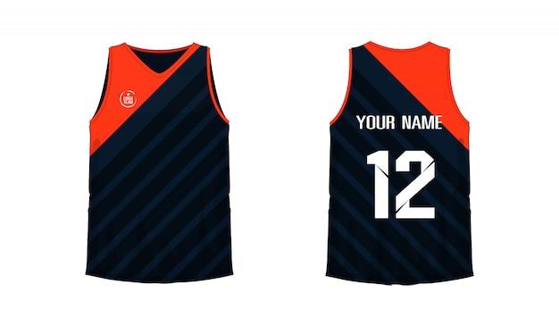 Modello di pallacanestro o calcio arancione e nero della maglietta per il club della squadra su fondo bianco. jersey sport,