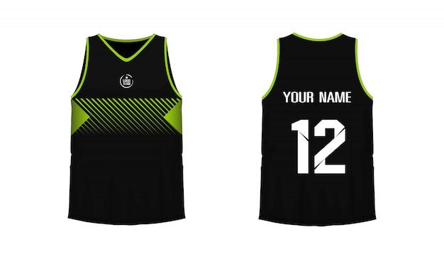 Modello di pallacanestro o calcio verde e nero della maglietta per il club della squadra su fondo bianco. jersey sport,