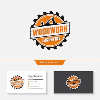 Modello di progettazione di logo di carpenteria in legno