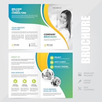 Modello di progettazione vettoriale multiuso aziendale a4 brochure