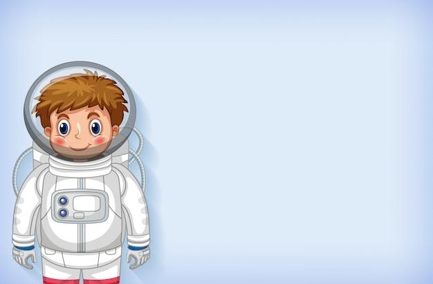 Modello di sfondo semplice con felice astronauta sorridente