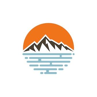 Modello di vettore di progettazione di logo della spiaggia