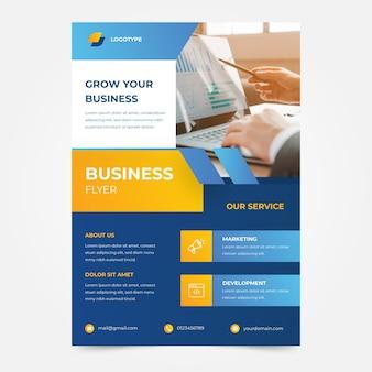Modello di volantino aziendale grafico affari