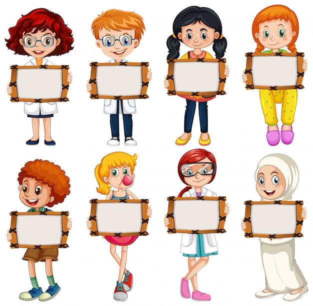 Modello in bianco del segno con molti bambini su fondo bianco