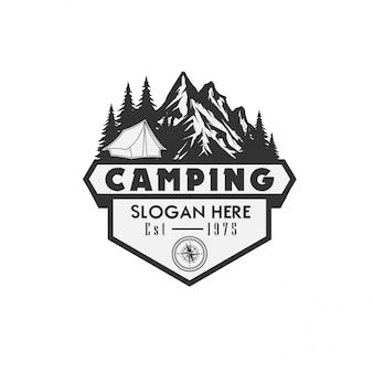 Modello logo campeggio illustrazione vettoriale