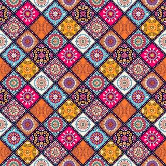 Modello marocchino senza soluzione di piastrelle con mandalas