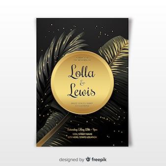 Modello realistico dell'invito di nozze delle foglie di palma dorate