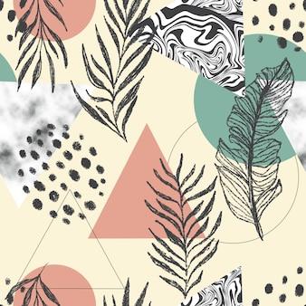 Modello senza cuciture astratto con triangoli, marmo e foglie tropicali.