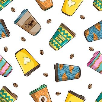Modello senza cuciture della tazza di caffè con stile carino colorato doodle