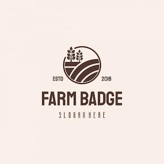 Modello vintage retrò di farm house badge logo hipster, logo agricoltura