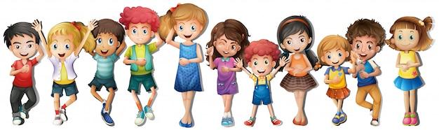 Molti bambini con la faccia felice