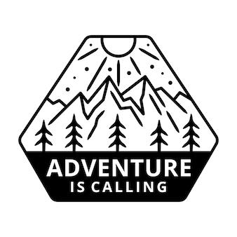 Montagna con sole, etichetta di avventura, design distintivo.