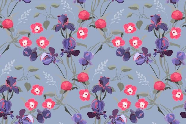 Motivo floreale senza soluzione di continuità. ipomoea rosa, peonia, fiori di iris viola, rami verde pallido, foglie isolate su sfondo grigio-blu.