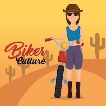 Motociclista della donna del motociclista della cultura del motociclista