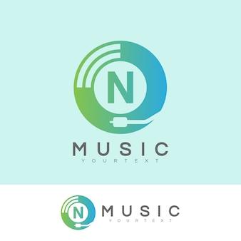Musica iniziale lettera n logo design