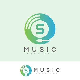Musica iniziale lettera s logo design