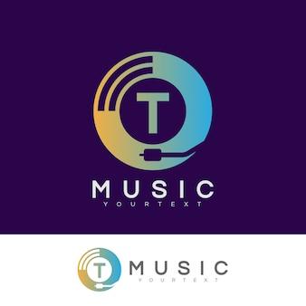 Musica iniziale lettera t logo design