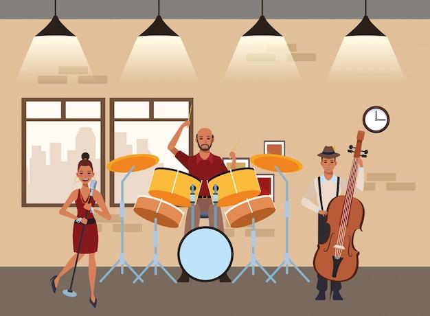 Musicista che suona la batteria e cantando
