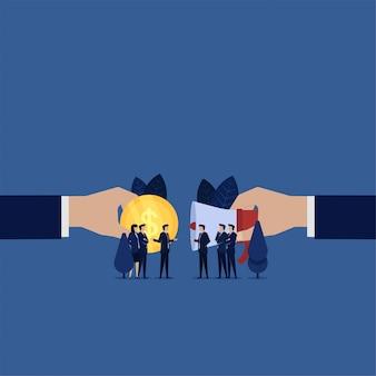 Negoziazione del team aziendale per il rinvio vendere pubblicità ottenere denaro.