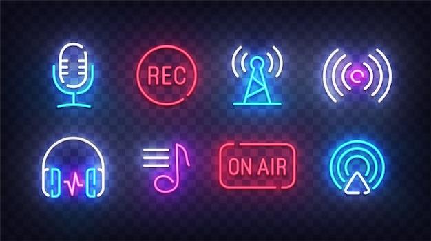 Neon icona podcast. segni di luce podcast. insegne, bandiera chiara linea arte. illustrazione