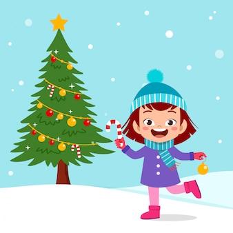 Neve felice dell'albero di natale dei bambini