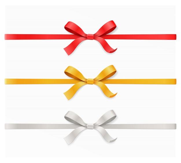 Nodo e nastro rossi, dorati, d'argento di colore su priorità bassa bianca. buon compleanno, natale, capodanno, matrimonio, carta regalo di san valentino o concetto di scatola. vista superiore dell'illustrazione del primo piano