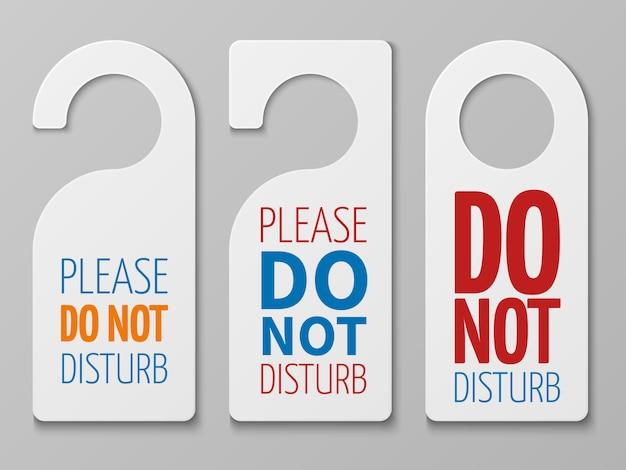Non disturbare i segni della stanza. collezione di grucce per porta dell'hotel