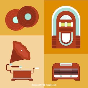 Oggetti antichi insieme correlato alla musica in design piatto