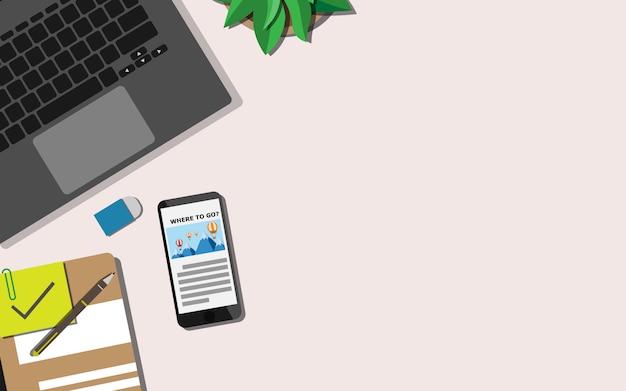 Op in basso vista piana del tavolo di lavoro con copia spazio per il testo