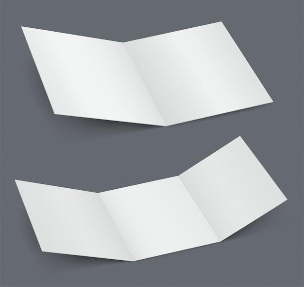 Opuscolo bianco aperto vuoto, raddoppiato e triplicato il libretto