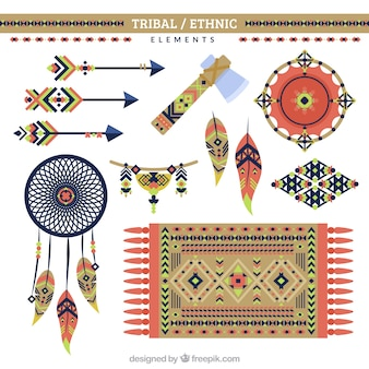 Ornamenti etnici e oggetti in design piatto