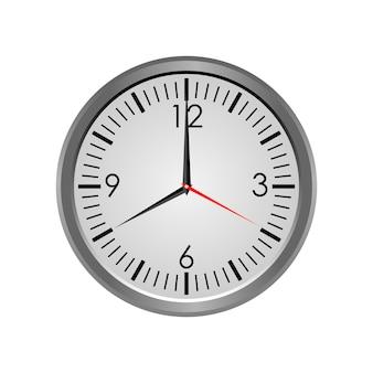 Orologio rotondo che mostra otto in punto isolati su fondo bianco