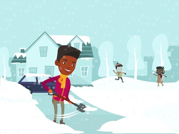 Padre che rimuove neve mentre bambini che giocano le palle di neve.