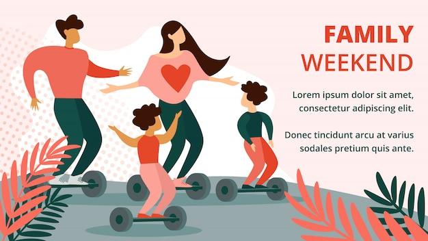 Padre, madre e figli cavalcando hoverboard nel parco