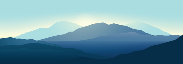 Paesaggio delle montagne in bei colori