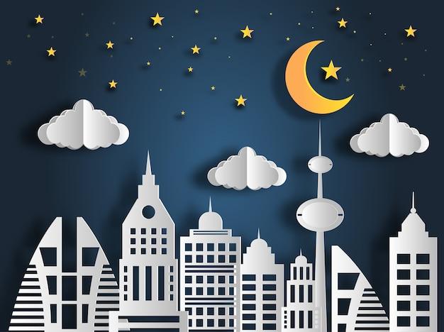 Paesaggio di notte in città con la luna e le stelle.
