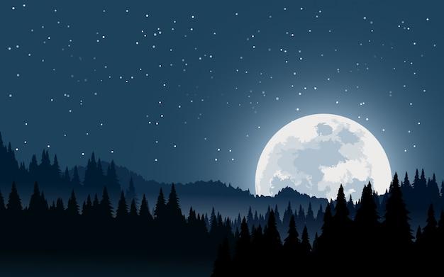 Paesaggio notturno con sorgere della luna e foresta nebbiosa