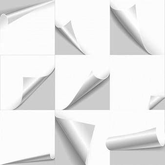 Pagina arricciata arrotolata carta bianca vuota con bordi di vibrazione copia spazio impostato.