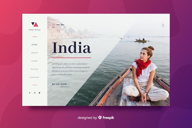 Pagina di atterraggio di viaggio con la ragazza su una barca