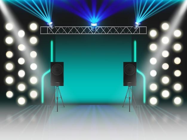 Palcoscenico con illuminazione e dinamica sonora. scena vuota con effetti luminosi luminosi da studio, faretti, raggi laser al neon, rack in acciaio per lampade, altoparlanti. illustrazione vettoriale 3d realistico