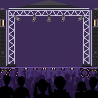 Palcoscenico da concerto scena musicale e concerto notturno. la gente della zona di divertimento del gruppo pop giovane profila la folla di concerto davanti alle luci luminose della fase di musica. scena di gruppo musicale pop band