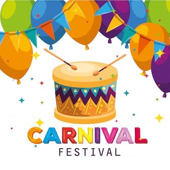 Palloncini con decorazione banner festa e tamburo per la celebrazione del carnevale