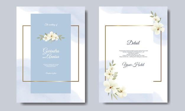 Partecipazione di nozze elegante con bellissimo modello floreale e foglie