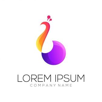 Pavone logo design vettoriale
