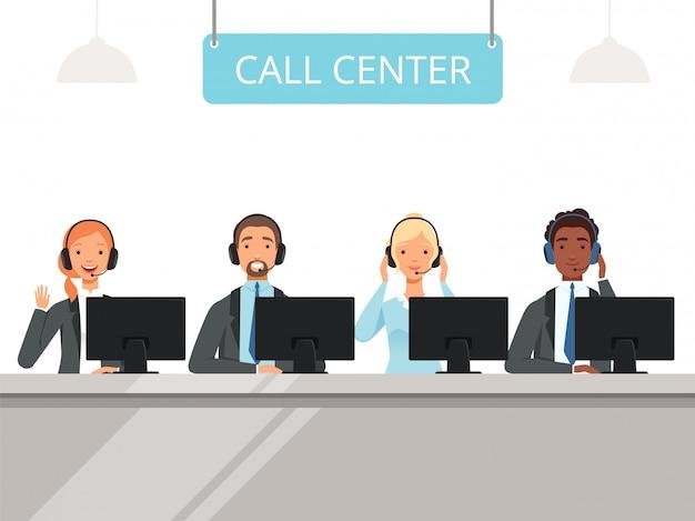 Personaggi del call center. operatore degli agenti di servizio del cliente professionale in cuffia che si siede i caratteri anteriori dei computer portatili