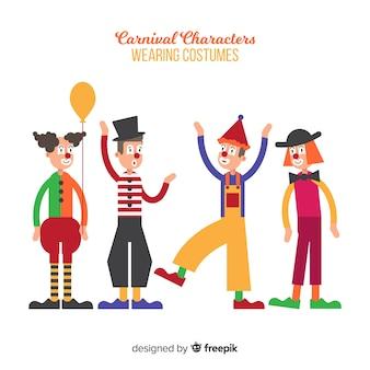 Personaggi di carnevale che indossano costumi