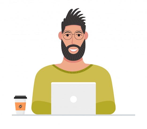 Personaggio maschile che lavora online utilizzando il computer portatile