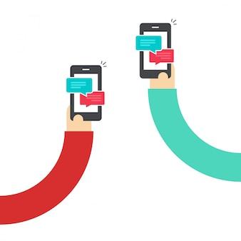 Persone che chattano con telefoni cellulari o smartphone