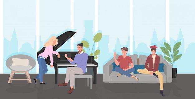 Persone che discutono durante l'incontro uomini donne trascorrere del tempo insieme comunicazione relax concetto moderno salotto interno orizzontale a figura intera