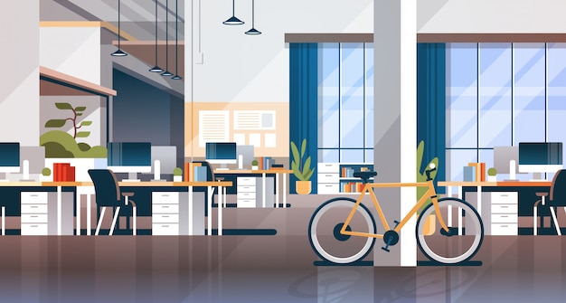 Piano orizzontale della scrivania del posto di lavoro moderno interno coworking creativo dell'ufficio